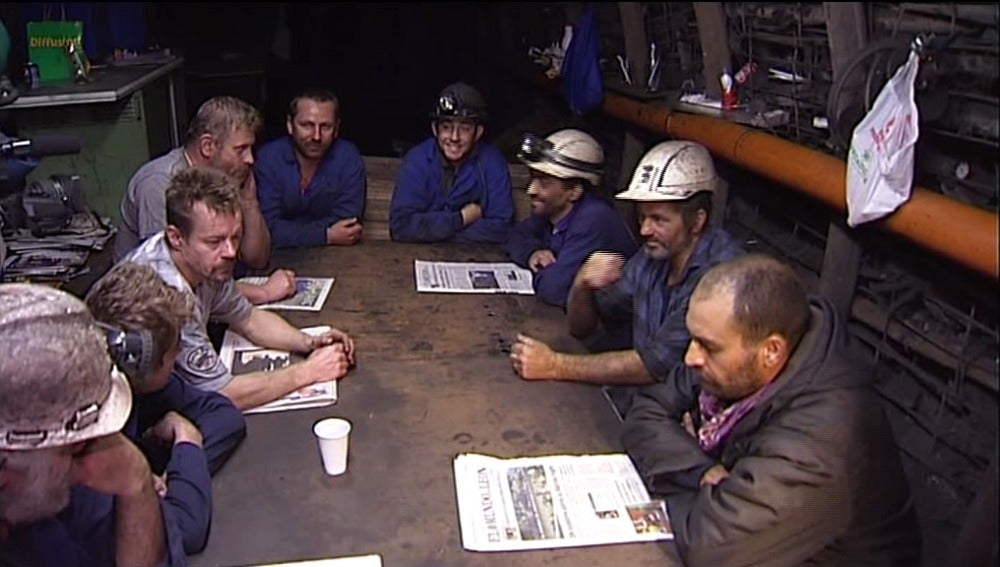 10 mineros encerrados en El Pozo Casares