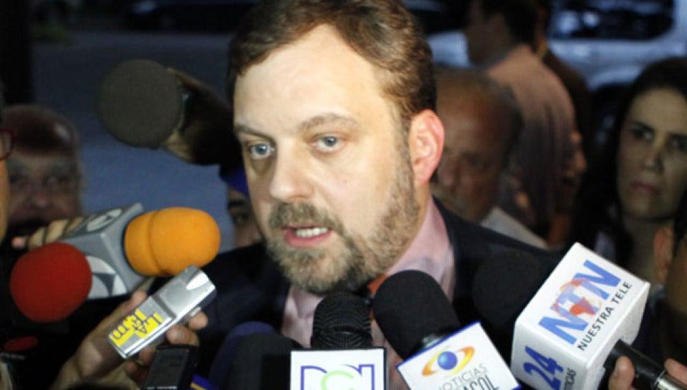 Gustavo de Arístegui, a punto de ser expulsado en Venezuela