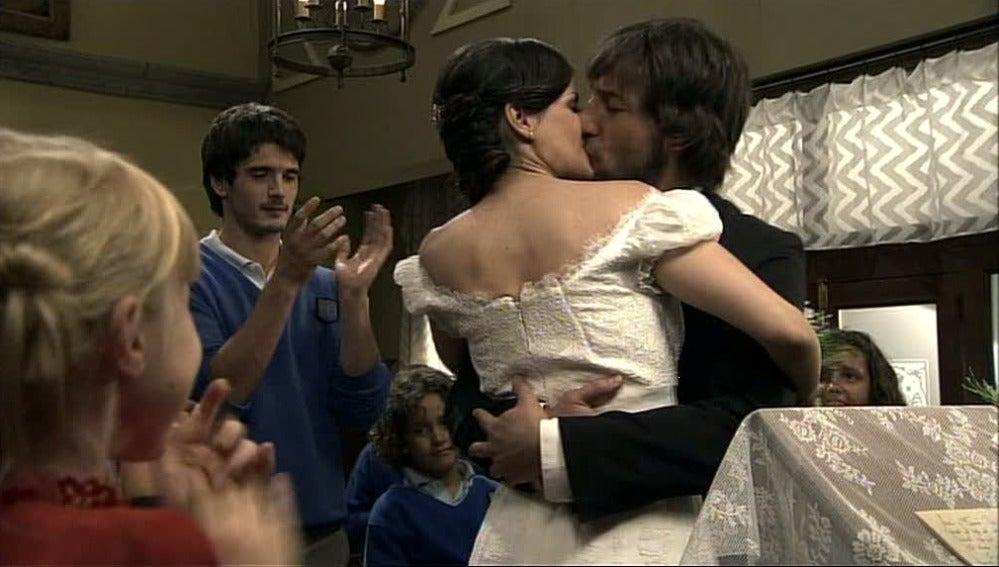María y Fermín se casan