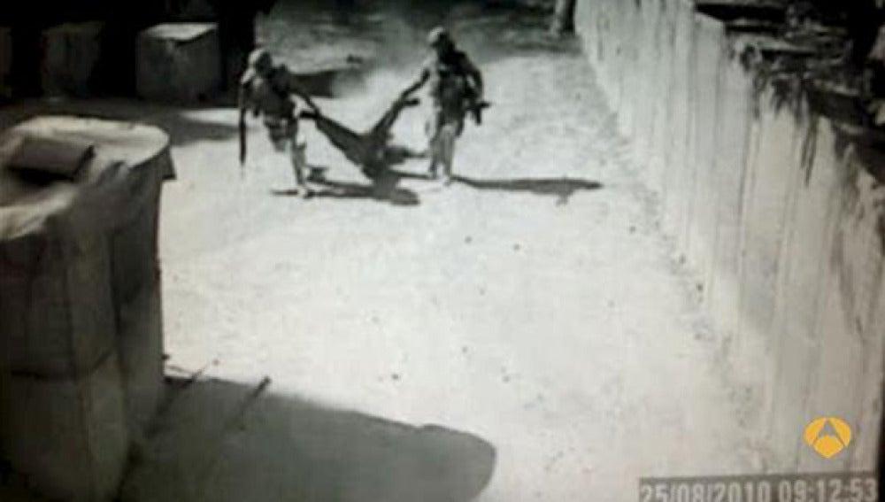Imágenes capatadas por las cámaras de seguridad de Qala-i-Naw