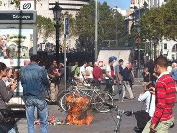 Quema de basuras en Barcelona