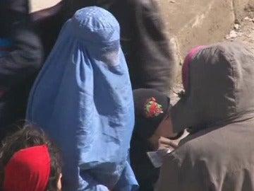 Mujer con burka en Afganistán