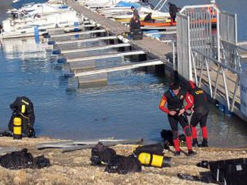 Submarinistas a su salida del agua