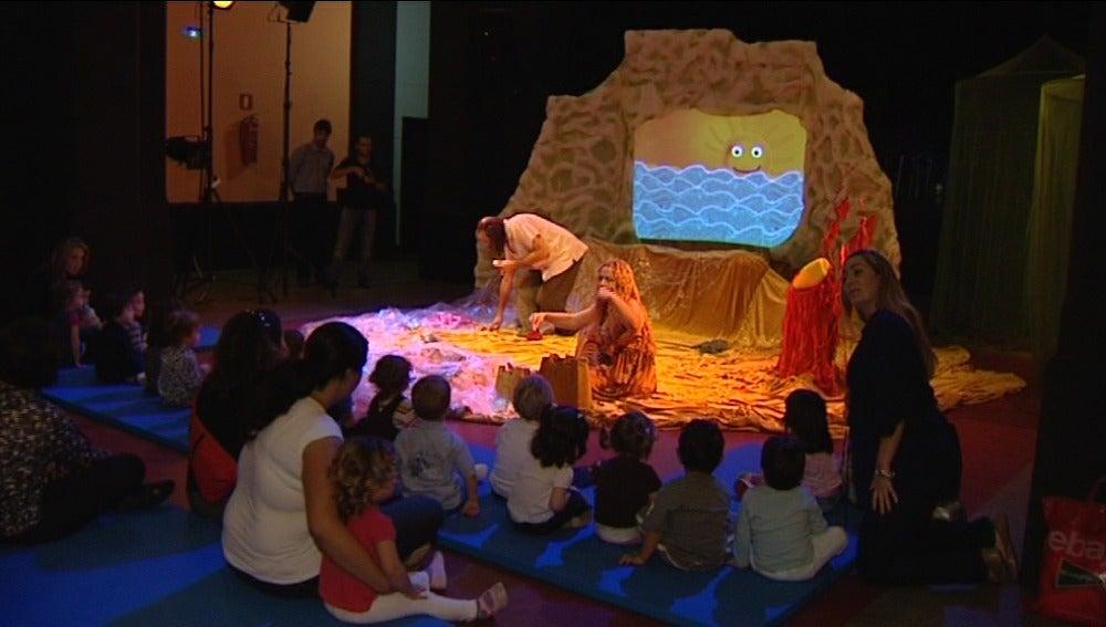 La compañía Andenes de Agua hace teatro para niños de entre seis meses y tres años