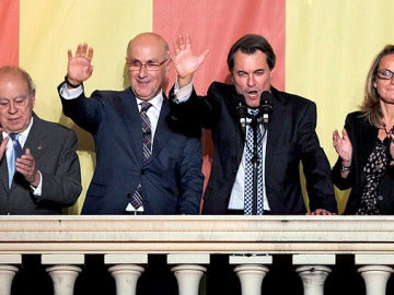 Cataluña da otra oportunidad a CiU