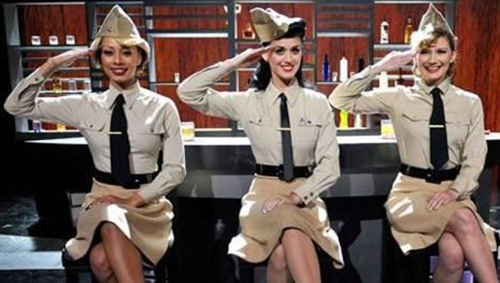 Katy Perry, de militar
