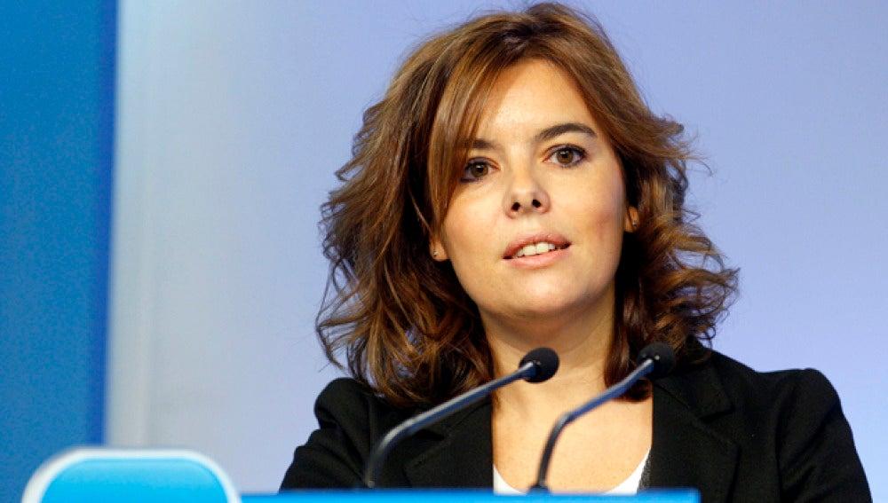 Soraya Sáenz de Santamaría en rueda de prensa sobre los controladores