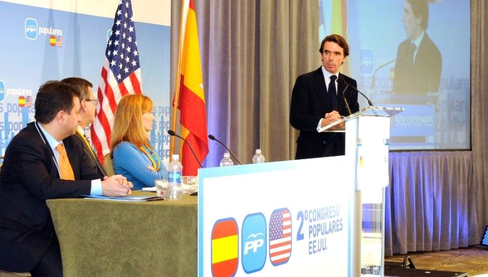 Aznar clausura el II Congreso del PP en EEUU