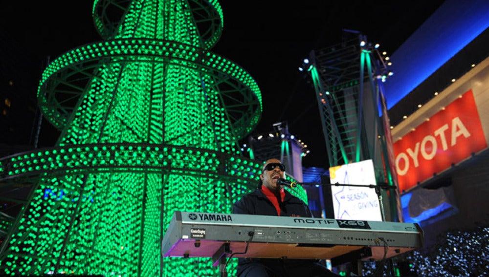 Stevie Wonder en la gala navideña de California