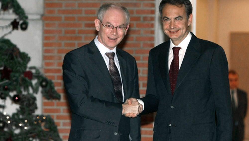 Zapatero con Herman van Rompuy durante su reunión en la Moncloa