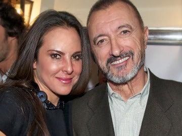 Kate del Castillo y Arturo Pérez - Reverte
