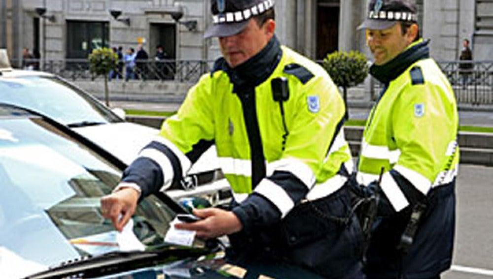 1.374 vehículos de cargos públicos multados por exceso de velocidad