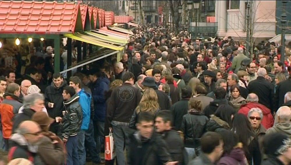 Los mercadillos de Santo Tomás marcan el inicio de las fiestas navideñas en el País Vasco
