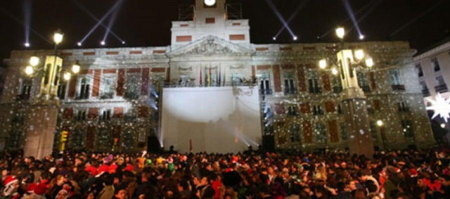 Antena 3 tv madrid quiere racionalizar la entrada en for Puerta del sol en directo ahora