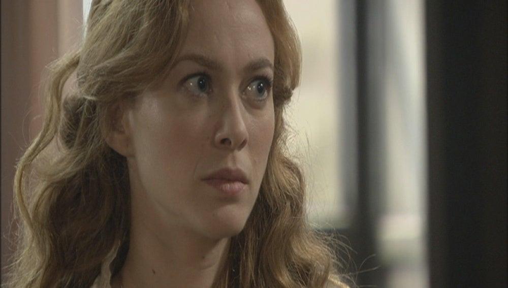 Sara es detenida por el teniente