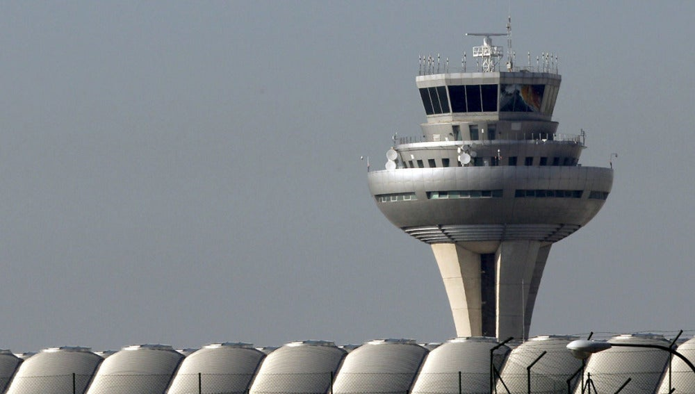 La Unión Sindical de Controladores Aéreos (USCA) mantiene los paros parciales convocados para los próximos fines de semana de julio