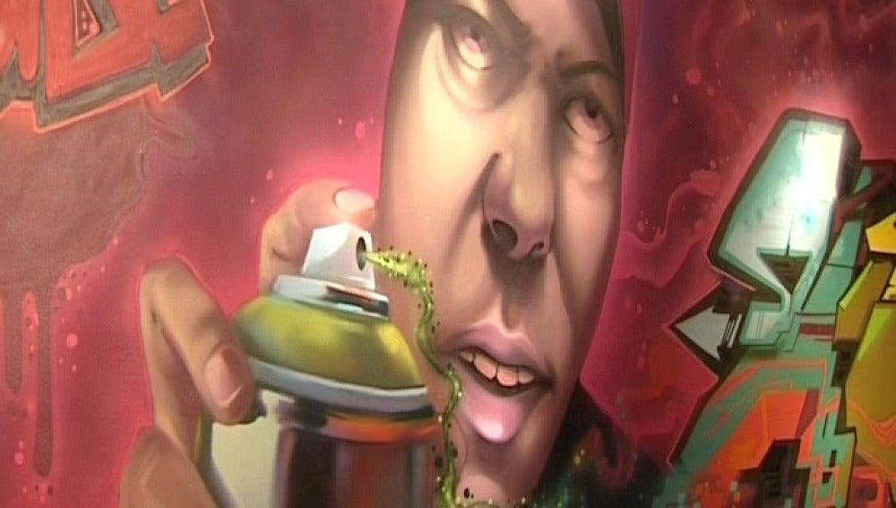 Grafiteros de toda España pintan las paredes de un museo en Vitoria