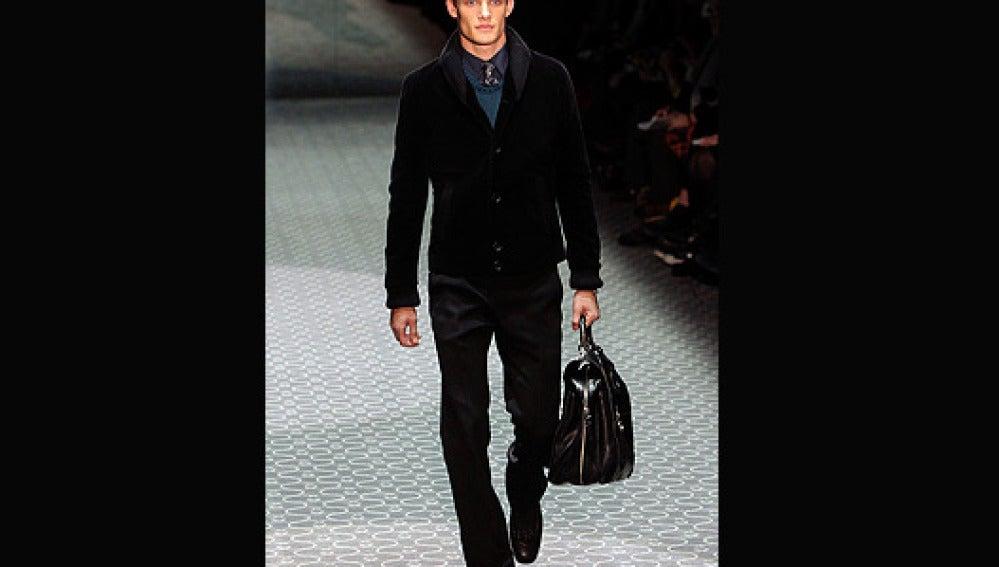 Un modelo en el desfile de Gucci