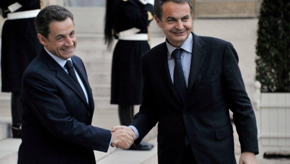 Sarkozy y Zapatero en París