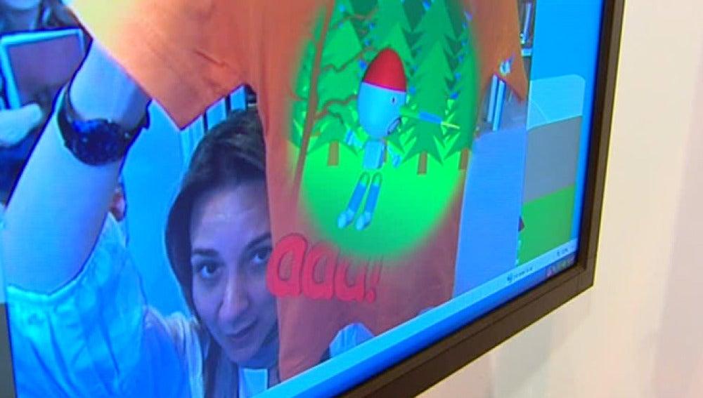 Camisetas interactivas en la feria del regalo