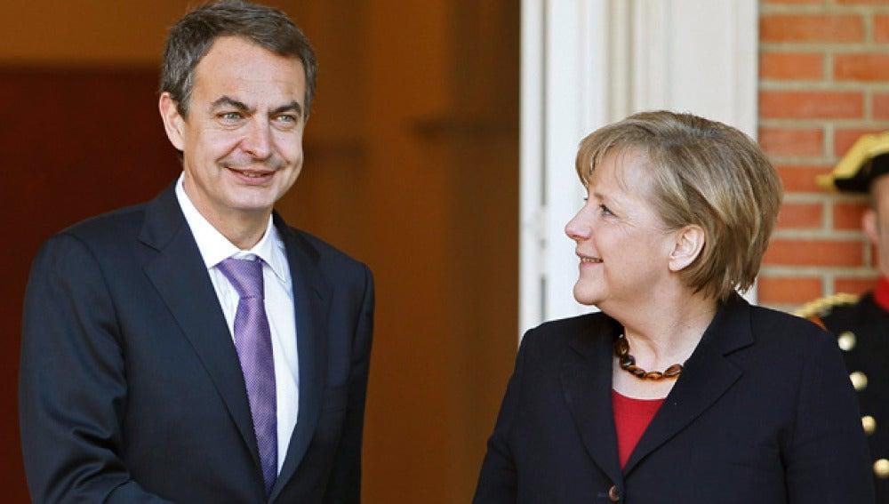 Zapetero recibe a Merkel en La Moncloa