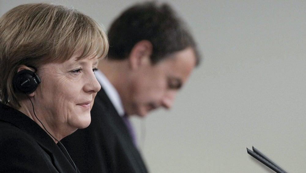 Angela Merkel junto a Zapatero