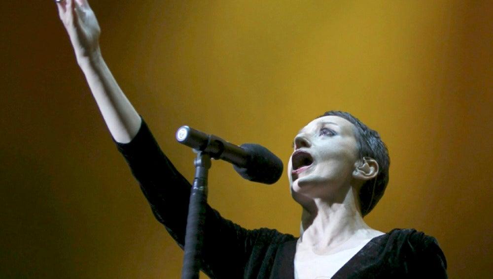 Luz Casal en su concierto en Madrid