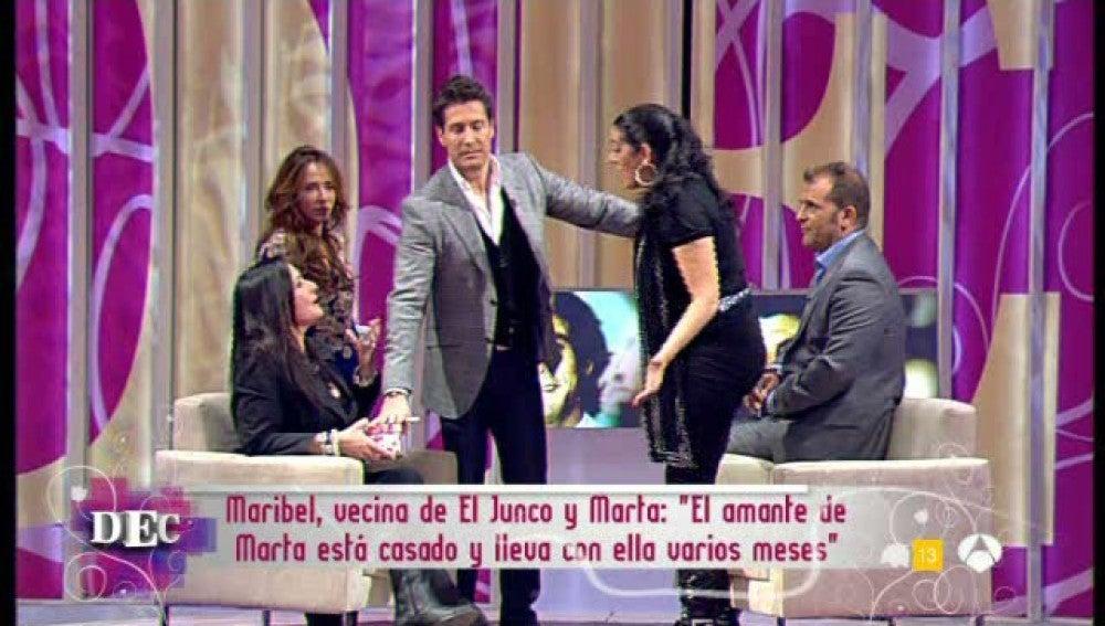 Marta Amaya pierde los papeles