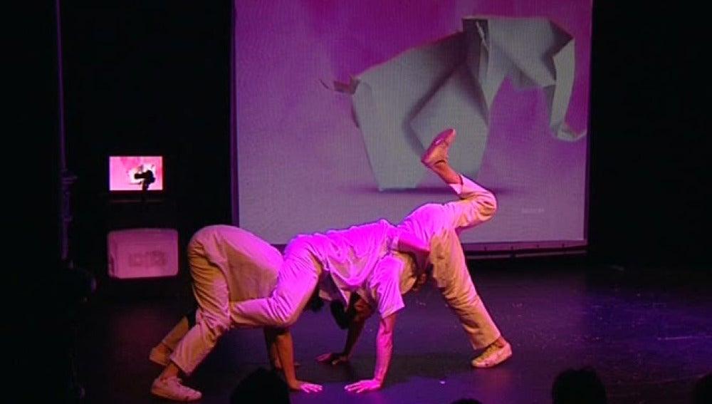 Un momento del espectáculo 'Papiro? Flexia'