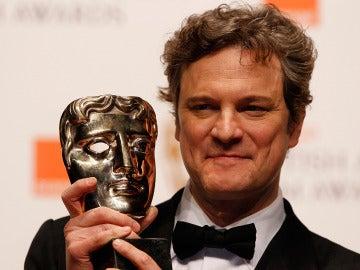 Colin Firth con su galardón