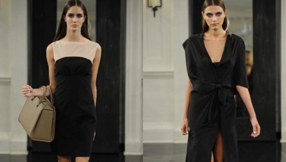 Dos modelos desfilan con los vestidos diseñados por Victoria Beckham