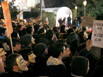 Anonymous se concentra a la puerta