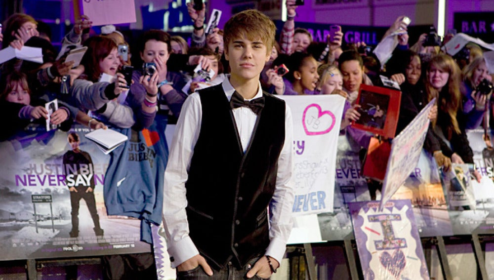 Justin Bieber en la premier de Londres