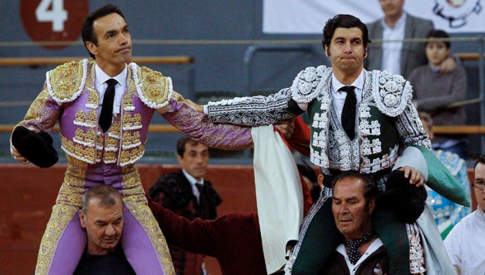 Morante de la Puebla sale a hombros de la plaza