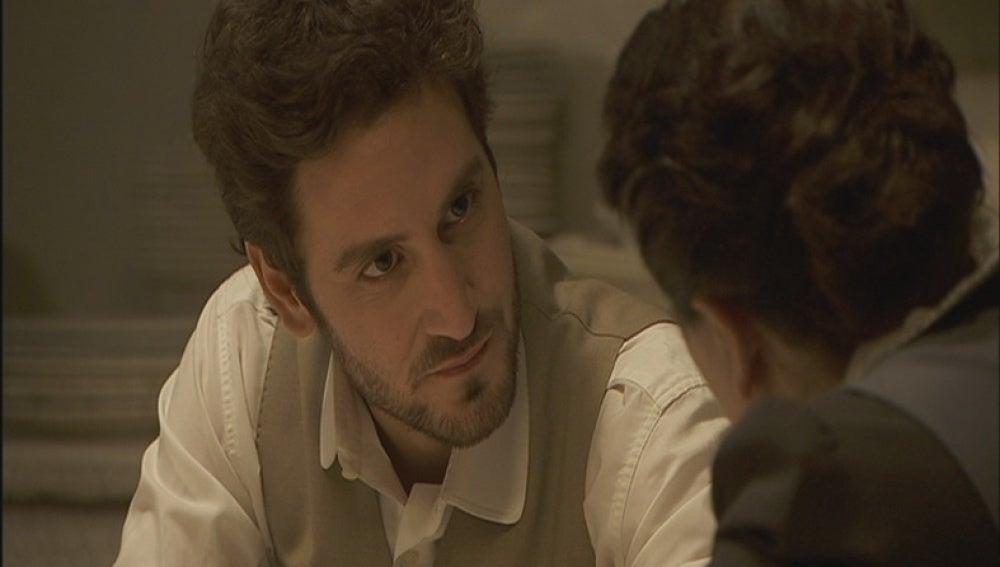 Tristán habla con Rosario