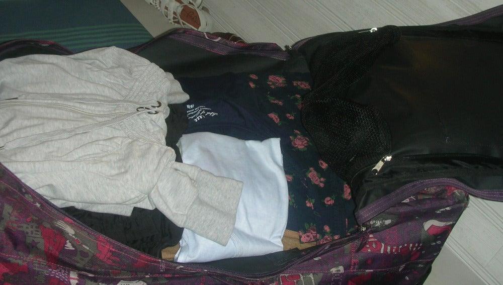 Ainhoa prepara la maleta