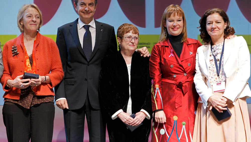 Zapatero y Pajín en el acto institucional del Día de la Mujer