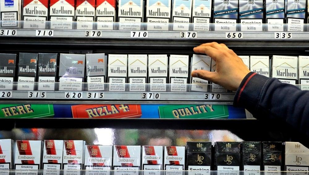 Cajetillas de tabaco en una tienda de Londres