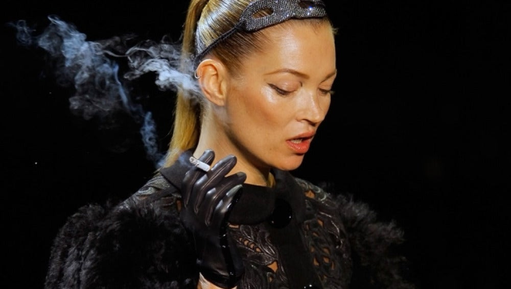 Kate Moss en el desfile de Louis Vuitton