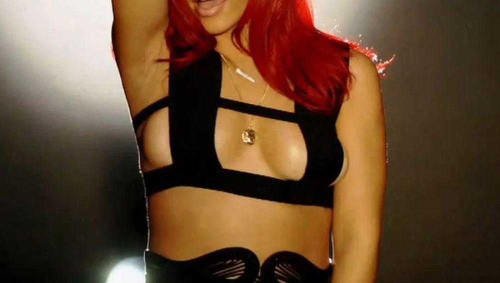 Rihanna y su cubrepezones