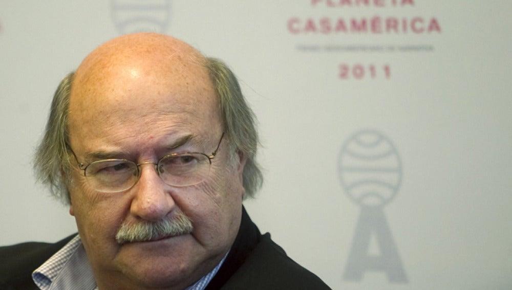 Skármeta gana el Planeta-Casa América con obra sobre el fin de la dictadura