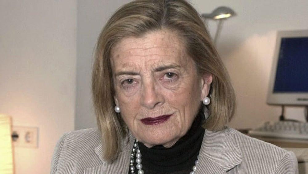 La escritora Josefina Aldecoa en 2004