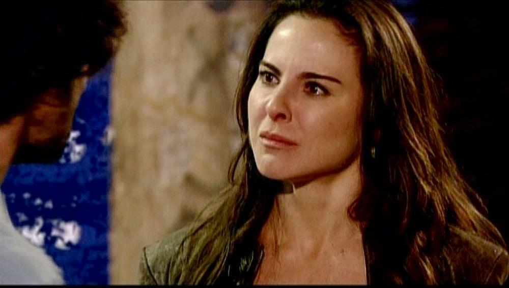 Teresa llora por Santiago