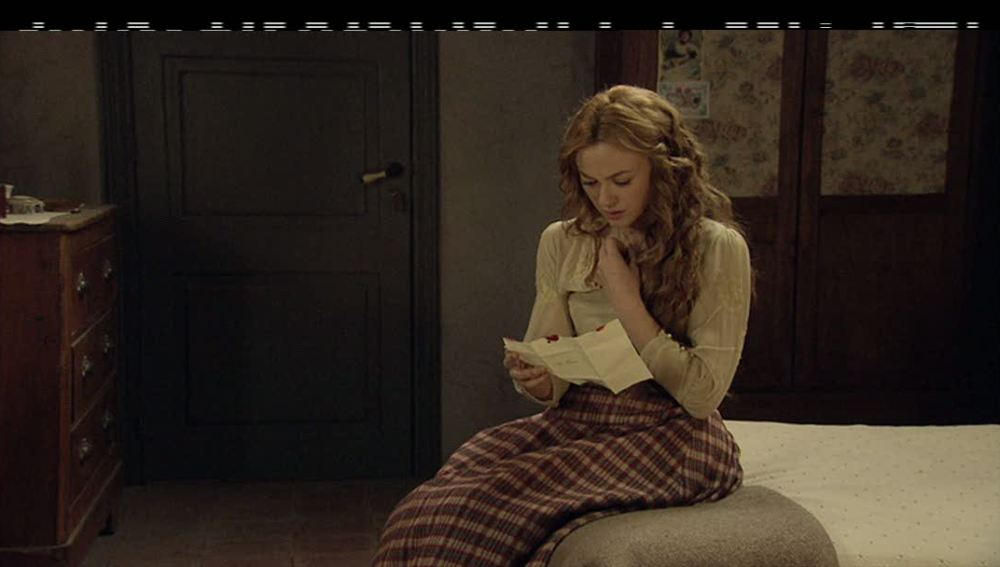Sara recibe una carta donde descubre sus raíces andaluzas