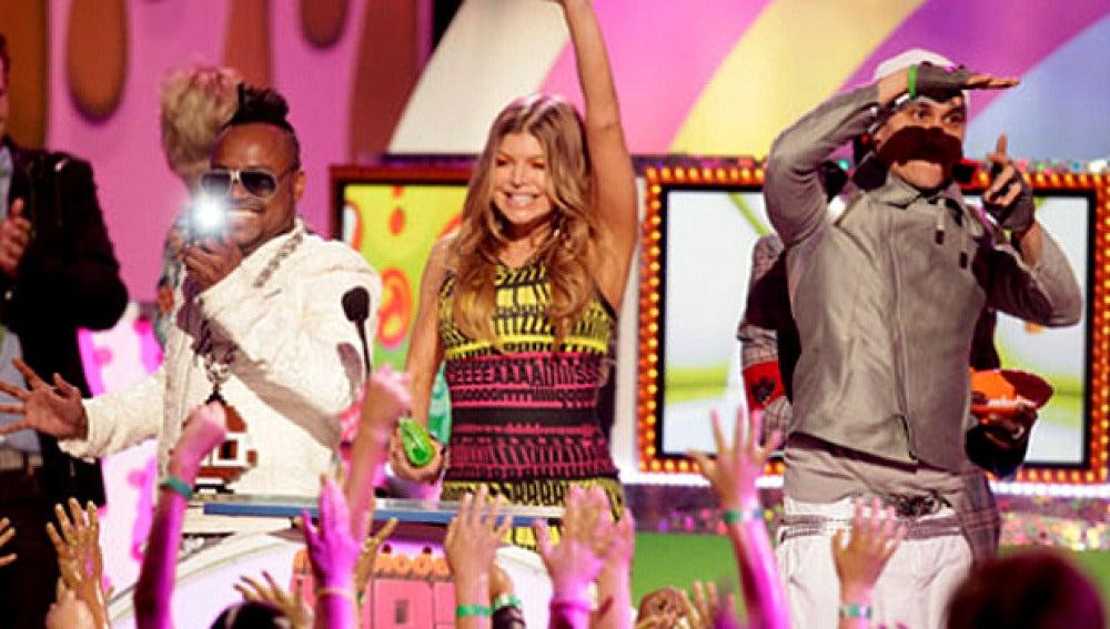 Gala de los Teen Kids Choice Awards con los Black Eyed Peas