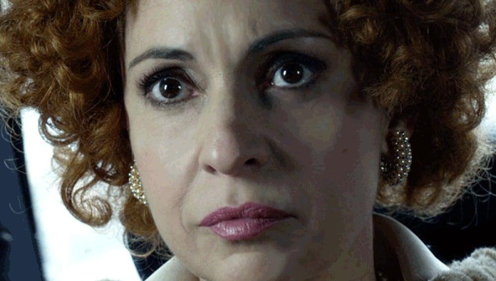 Adriana Ozores como la Duquesa