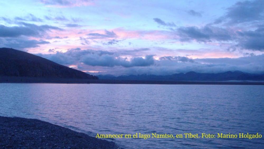Lago Namtso, durmiendo en el techo del mundo
