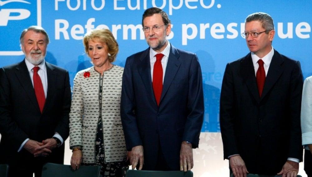 El presidente del PP, Mariano Rajoy, clausuró unas jornadas sobre Europa