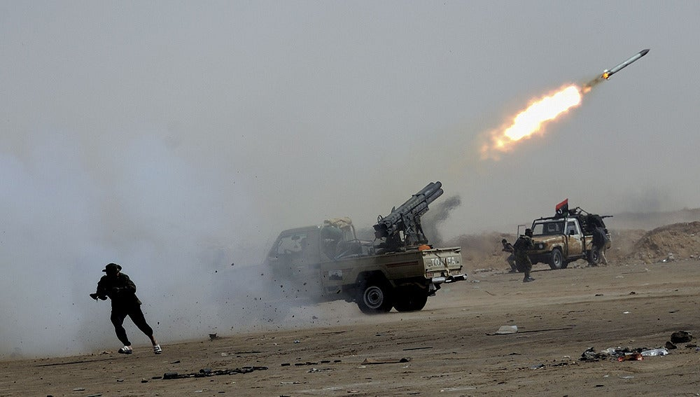 Bombardeos en Ajdabiya