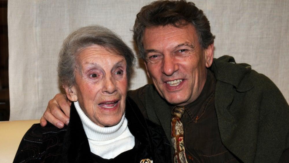 La actriz María Isbert junto a us hijo Tony Isbert